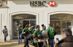 Bizi recupère des fauteuils de l'agence HSBC