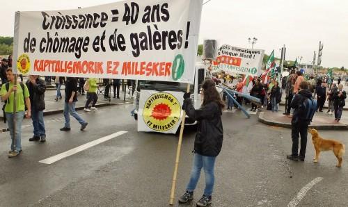 + de 300 personnes pour les emplois climatiques à Bayonne