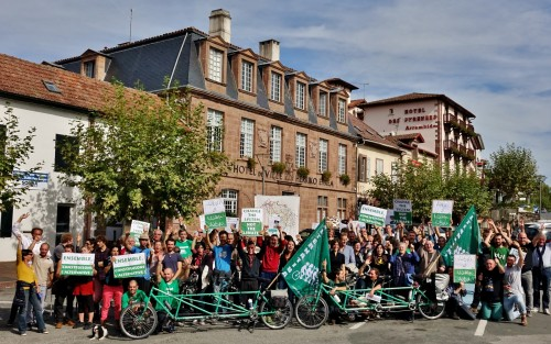 Arrivé du Tour Alternatiba à Garazi